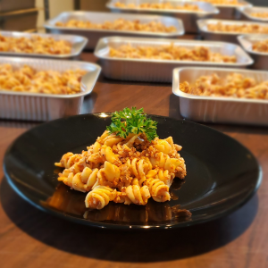 Rigatoni à la sauce au tofu et saucisses italiennes